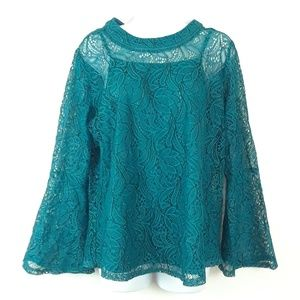 ULTRA PINK L EMERALD GREEN FLARE SLEEVE LACE TOP